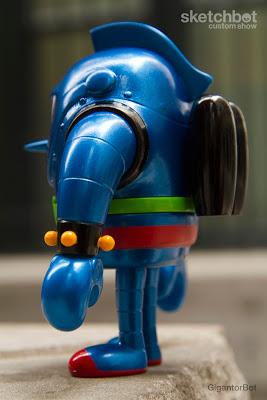 GigantorBot-4.jpg