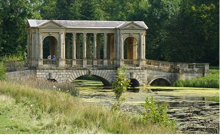 Palladian Bridge Stowe detail.jpg