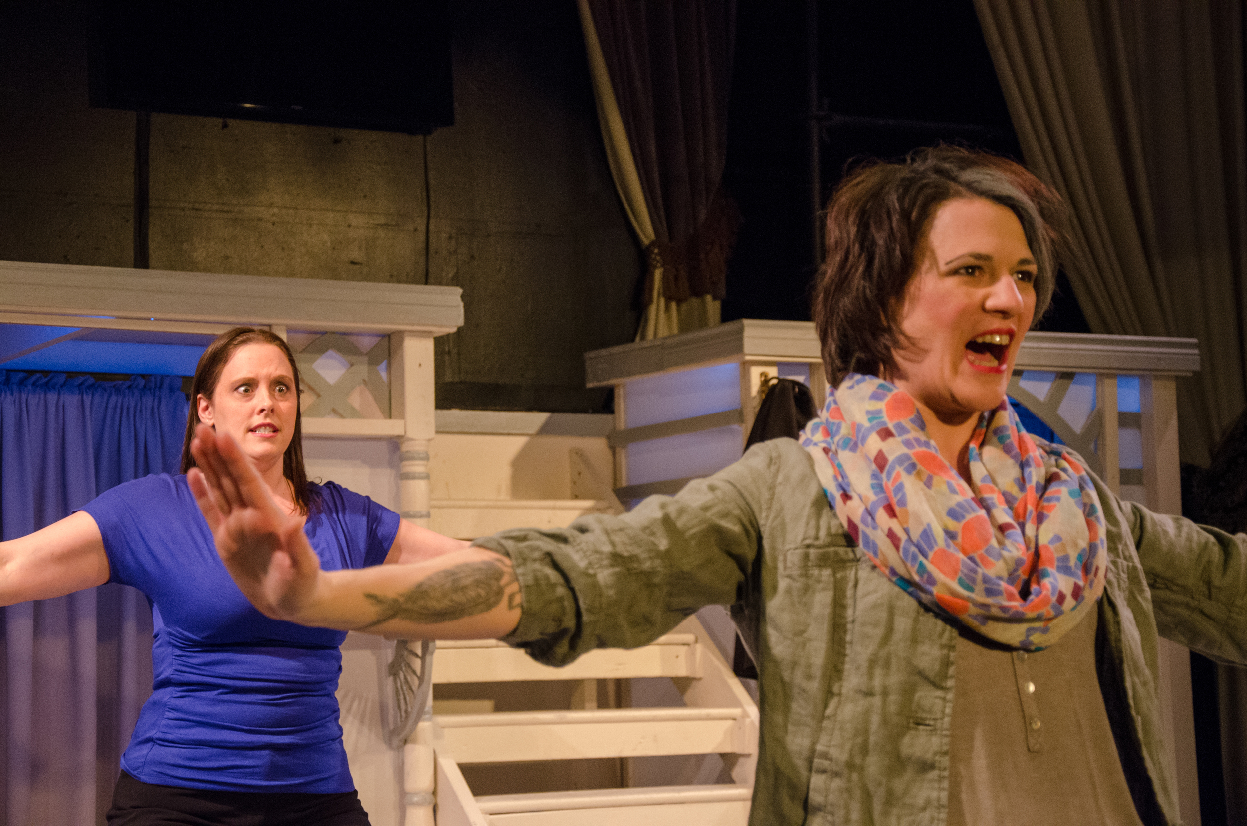 Jessica (Tara Herweg-Mann), Gwen (Amy Alleman Burke)