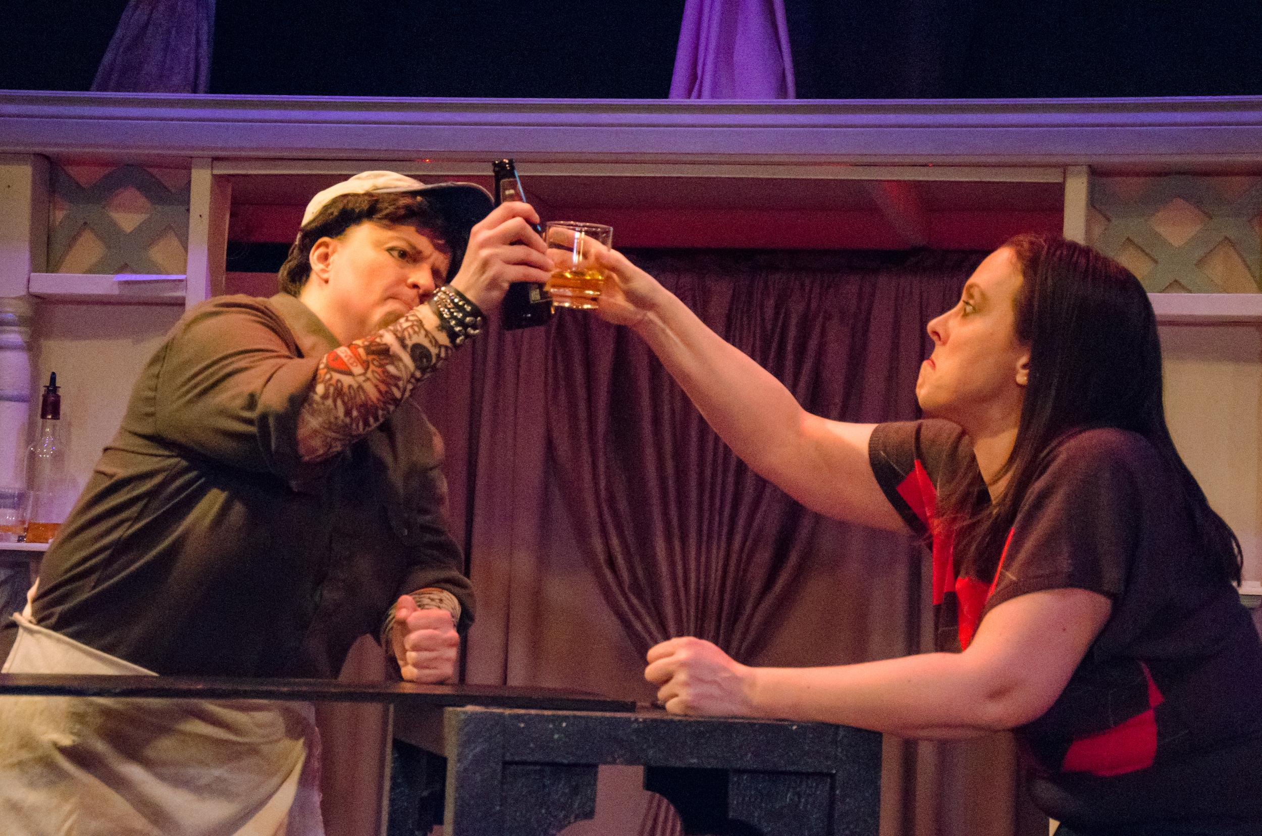Bartender (Melissa Himmelreich Nicholson), Jessica (Tara Herweg-Mann)