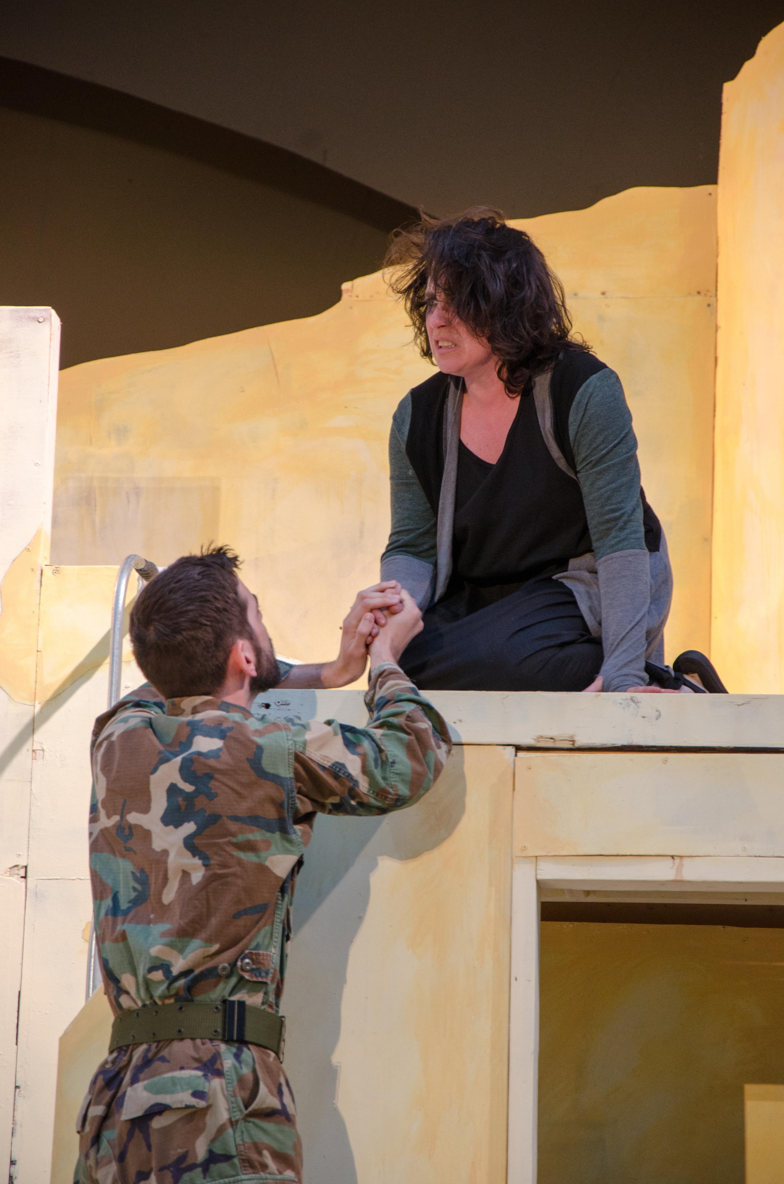 Hector (Sean Adams), Cassandra (Francesca Amendolia)