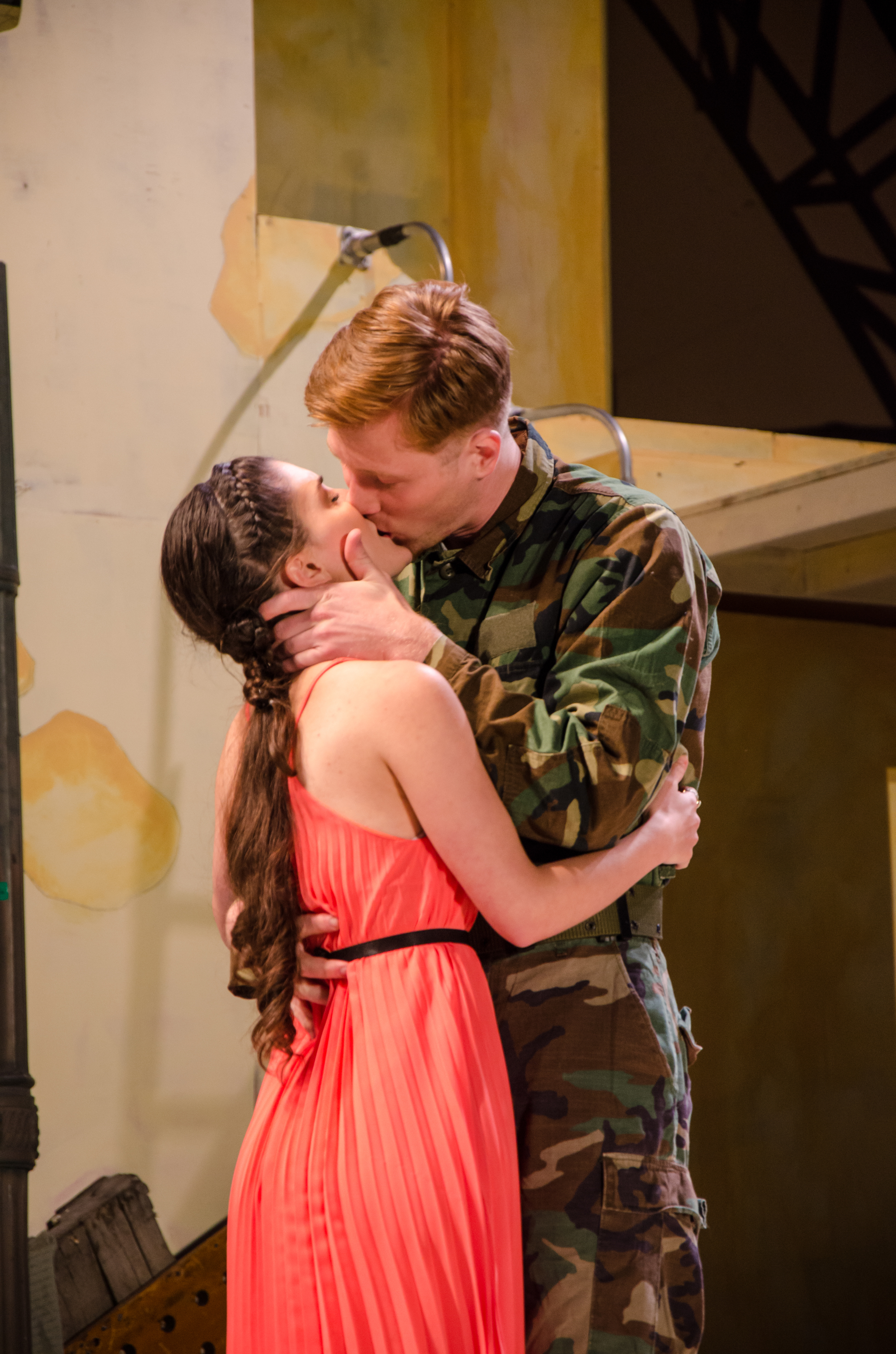 Cressida (Emily Samuelson), Troilus (Jared Calhoun)