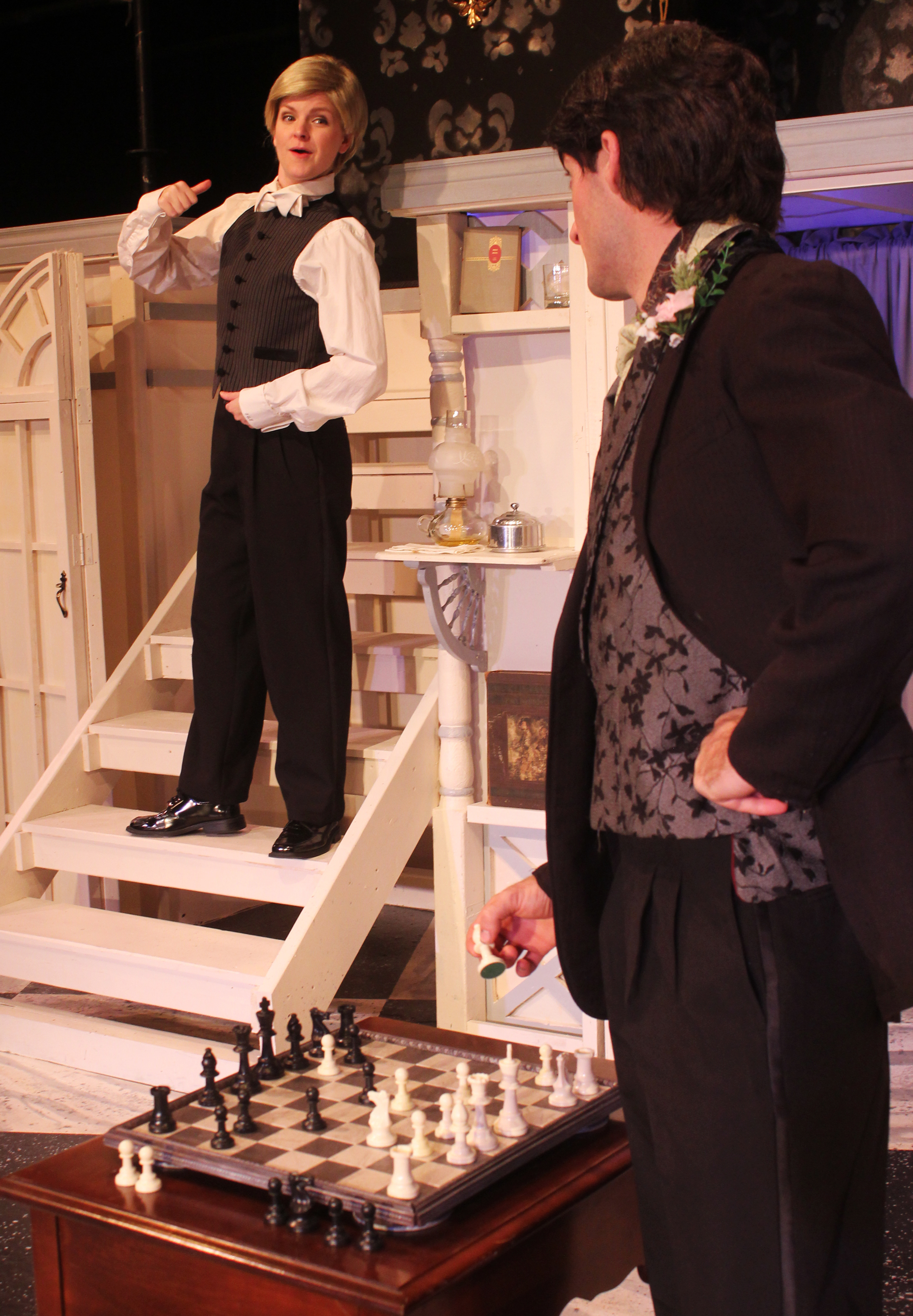 Mason (Kathryn Miller), Lord Goring (Ian Potter)