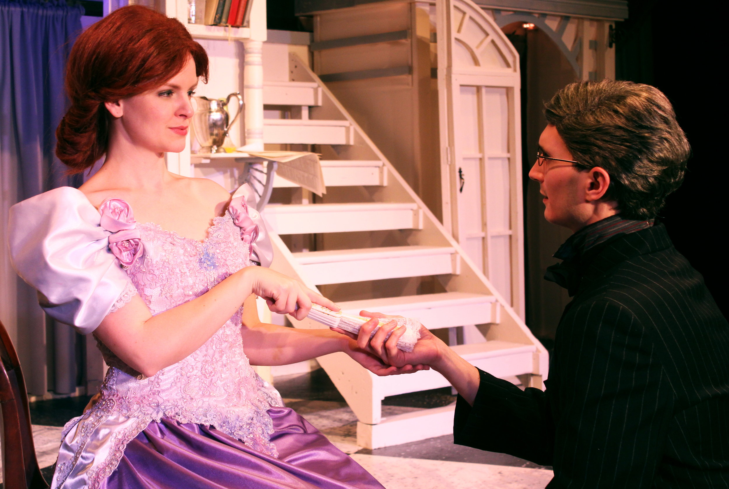 Mrs. Cheveley (Kathryn Miller), Robert Chiltern (Thomas Weaver)