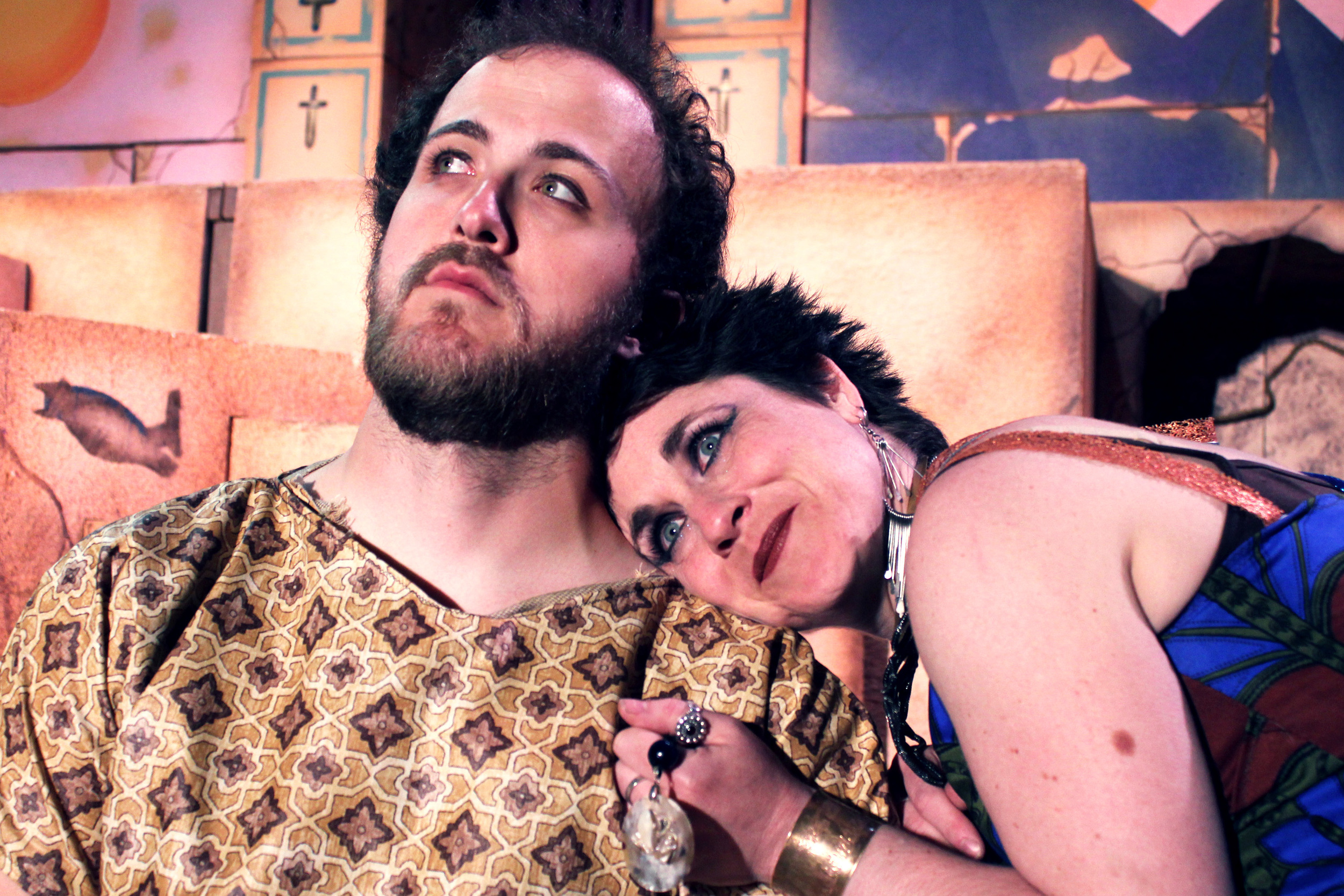 Alexas (Collins Wilson), Cleopatra (Francesca Amendolia)
