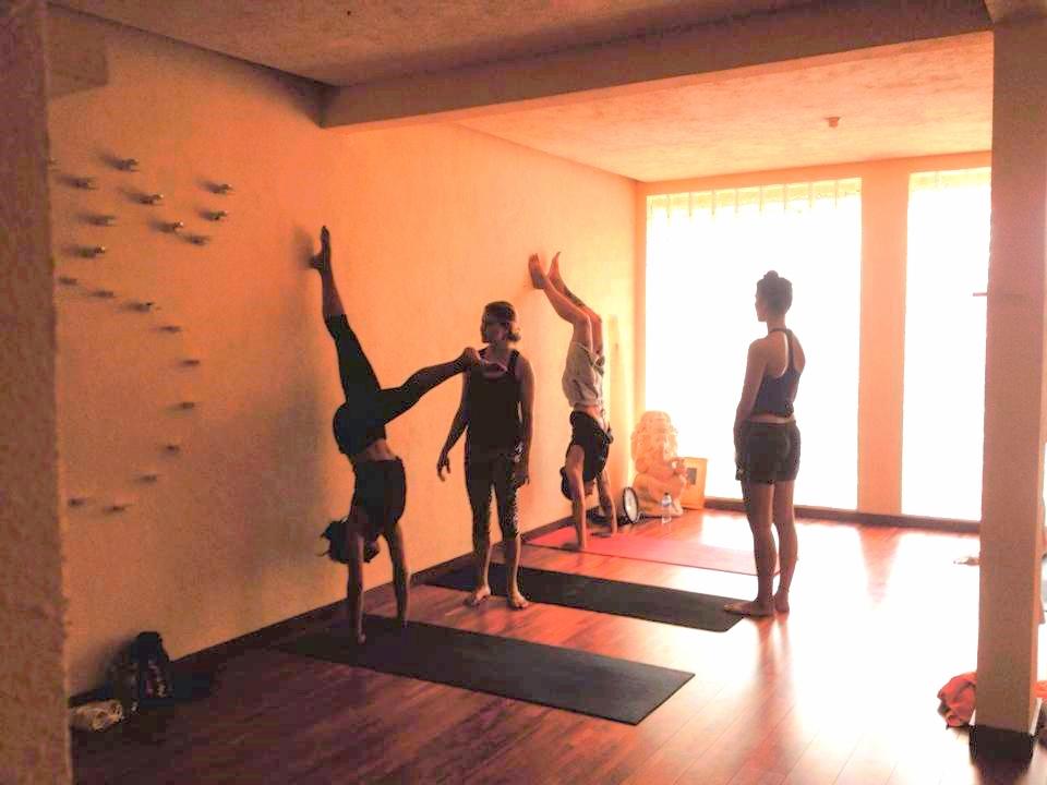 handstand workshop 1 bali 2.jpg