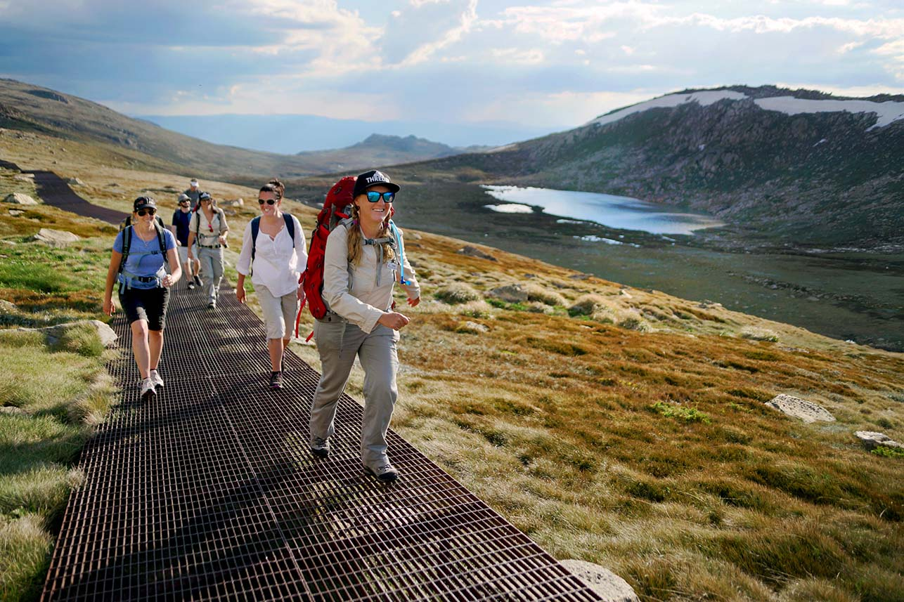 Group_Walk Uphill Kosciuszko.jpg