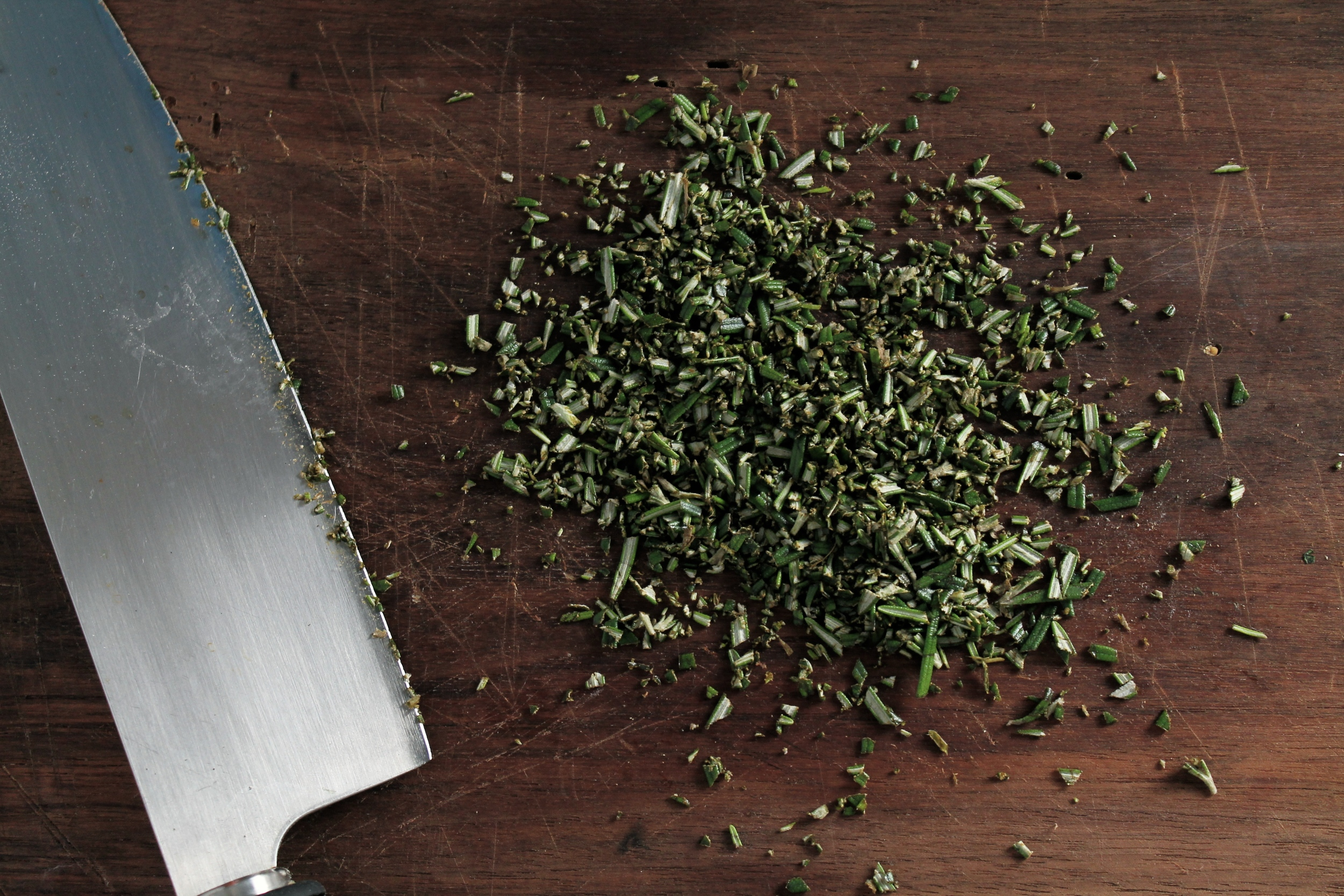 Chopped Rosemary | www.hungryinlove.com