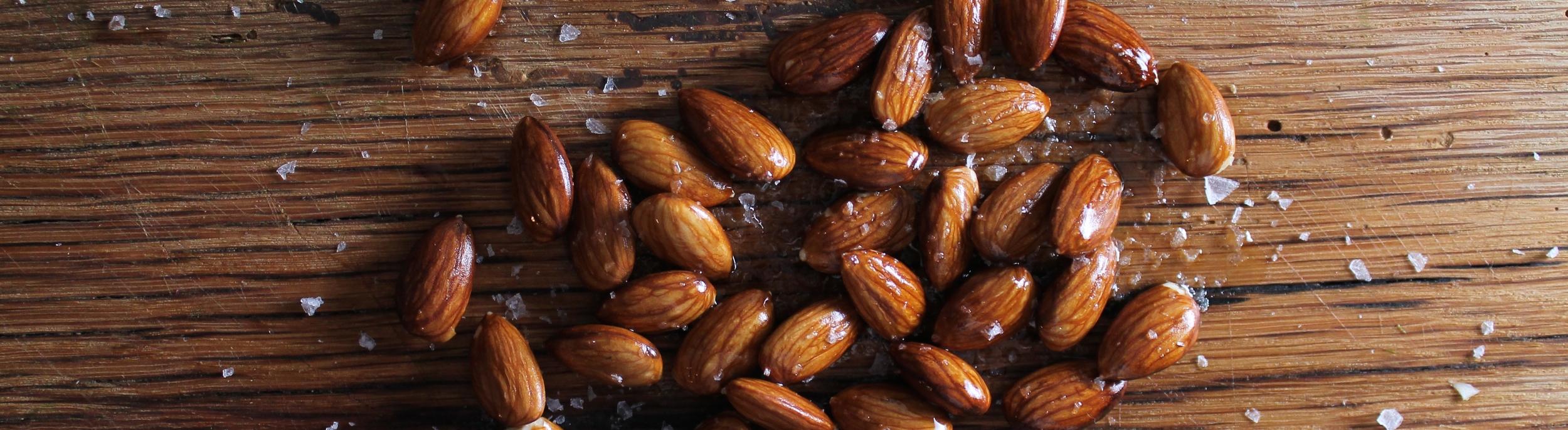 Salty Almonds | www.hungryinlove.com