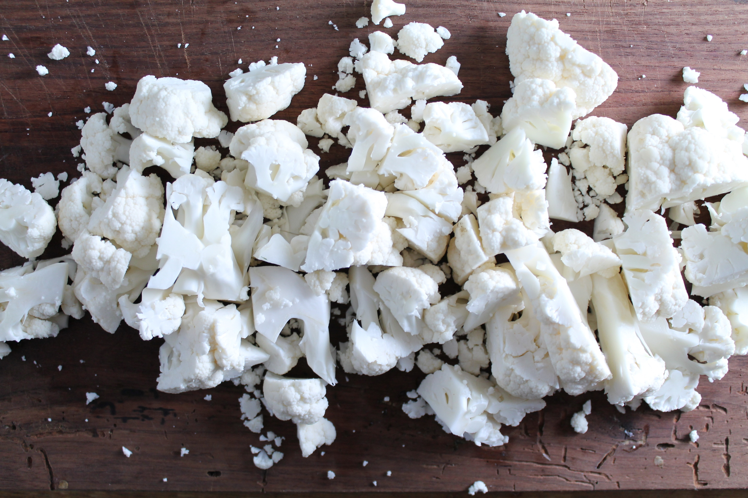 Chopped Cauliflower | www.hungryinlove.com