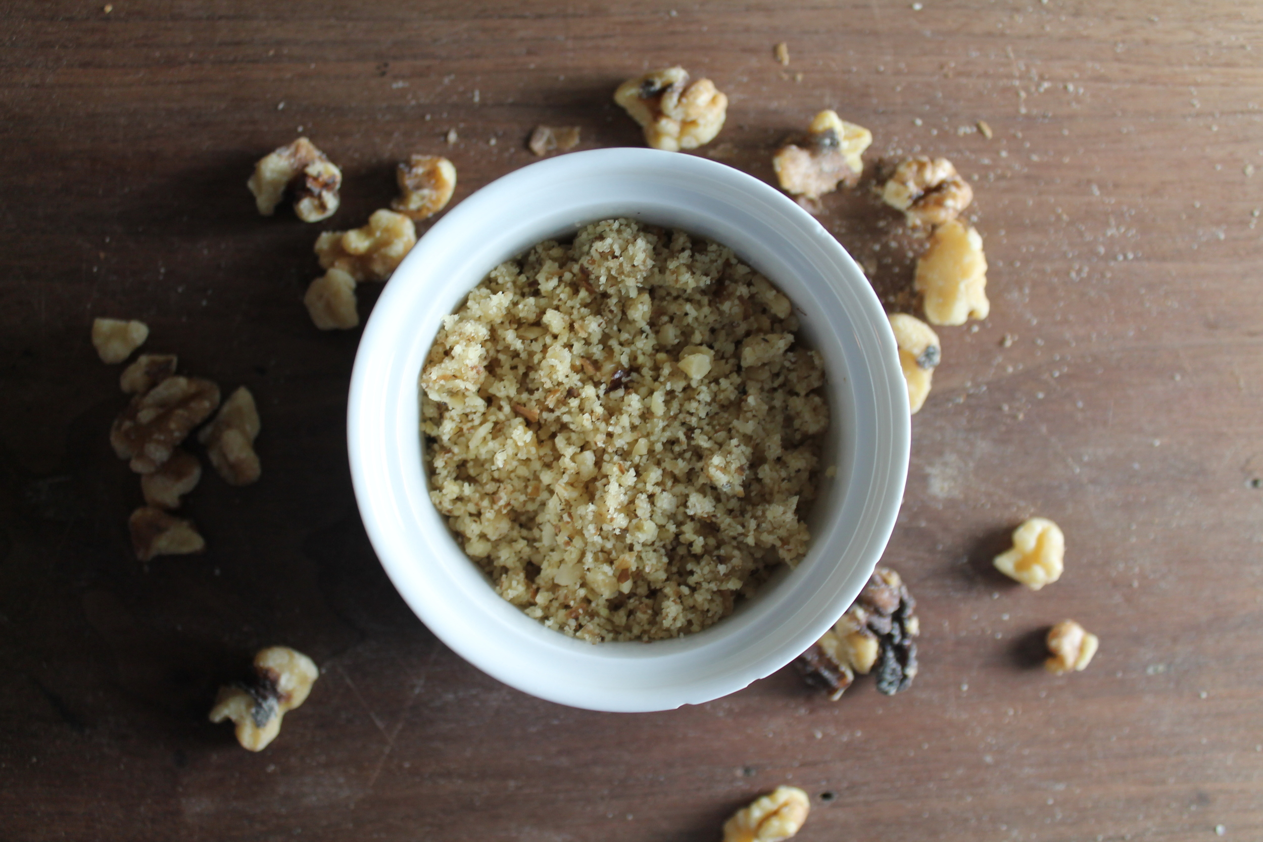 Crushed Walnuts | www.hungryinlove.com