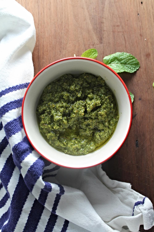 Pistachio Mint Pesto | www.hungryinlove.com