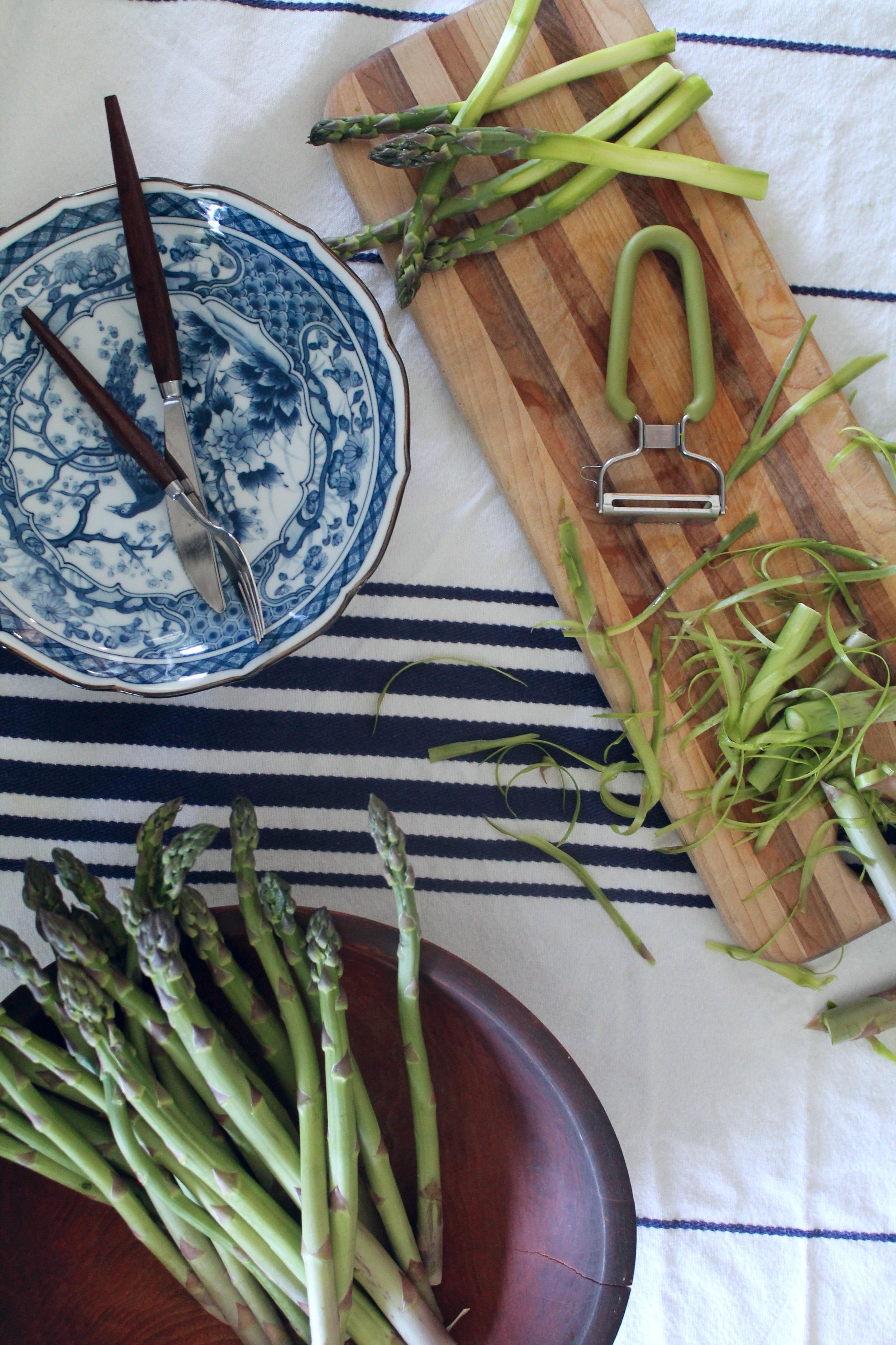 Asparagus Salad Prep | www.hungryinlove.com