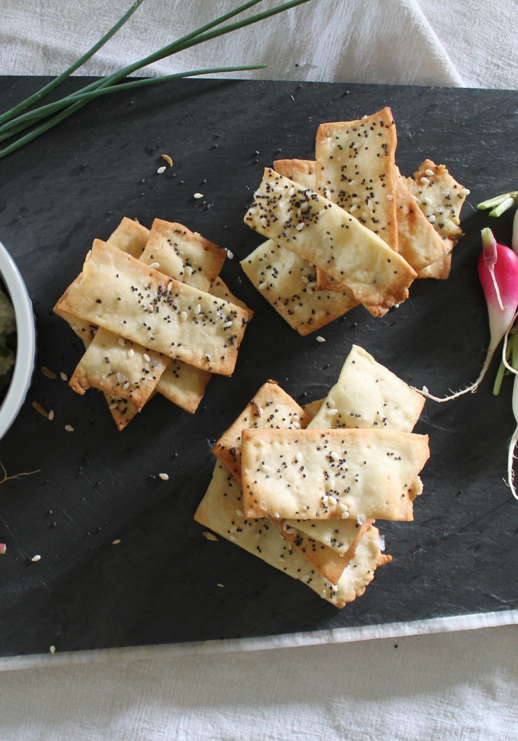 Olive Oil Crackers | www.hungryinlove.com