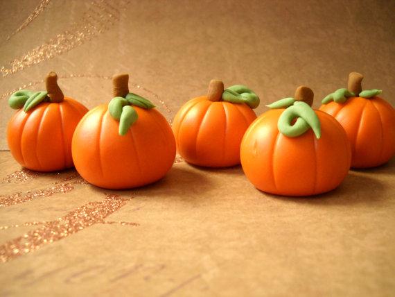 fondant for pumpkin cupcake