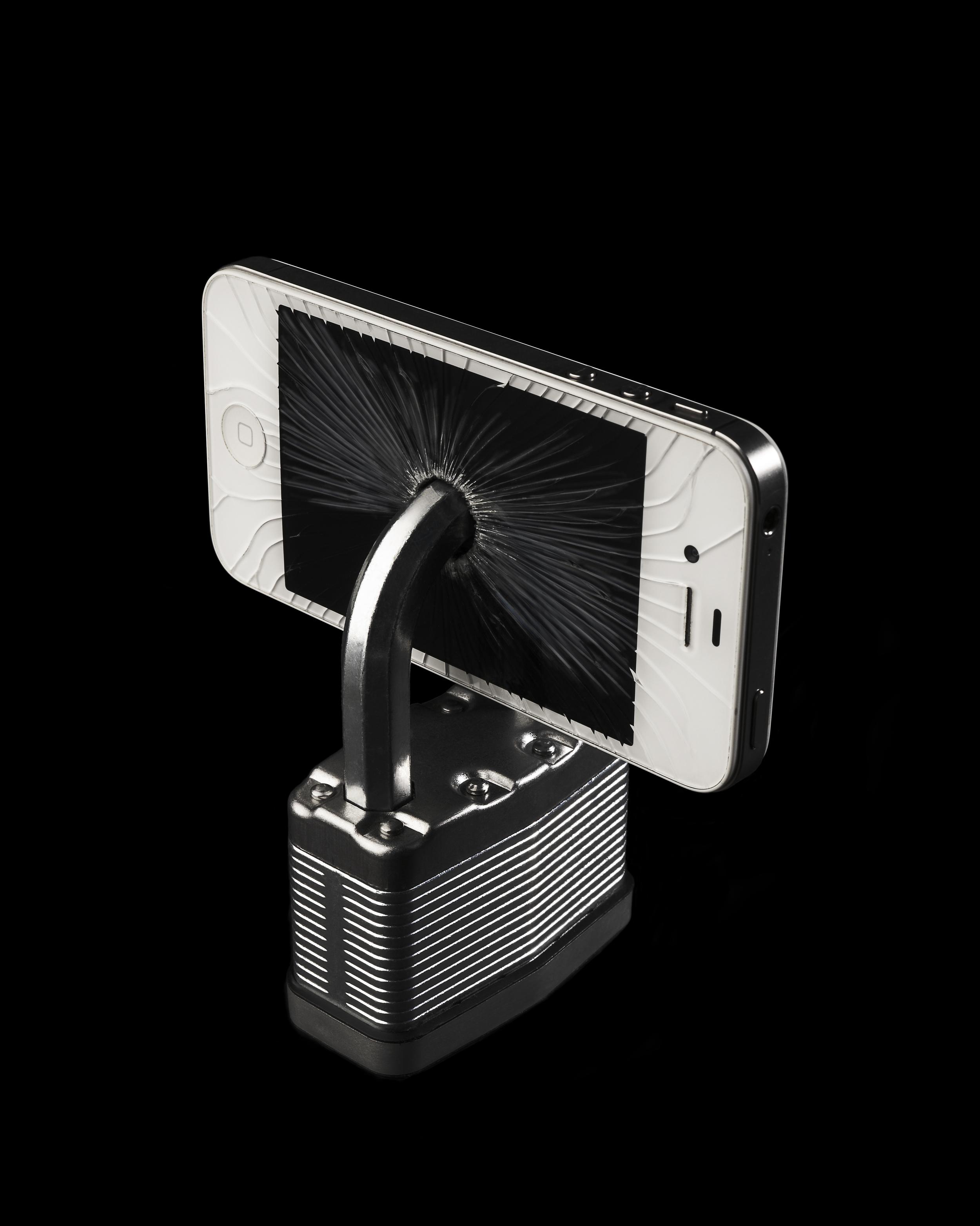 Locked IPhone5.jpg
