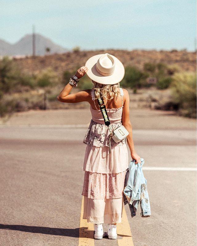 Hello weekend adventure ✈️🌸 #allisongirls #shopallison . . . . . . . . . . . . . . . #travel #adventure #springtime #instafashion #itgirl #glam #travelstyle #globetrotter #style #fashion #love #pink #ootd #bloggerstyle #bloggerfashion #bohochic #bohochic #shopping