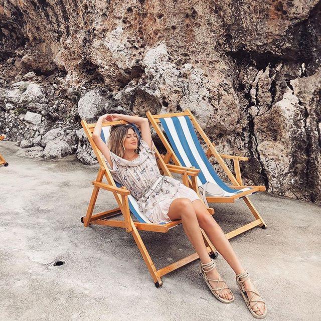 Feeling all sorts of vacation vibes via babe @hannamontazami in the floral set 🌸 #allisongirls #shopallison . . . . . . . . . . . . #vacationstyle #vacationvibes #bloggerstyle #instafashion #bohochic #itgirl #italy #amalficoast #bohostyle #fashionblogger #style #love #sets #stripes #vacationmode
