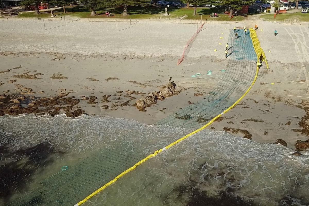 Global Marine Enclosures Aquarius Barrier Installation 4