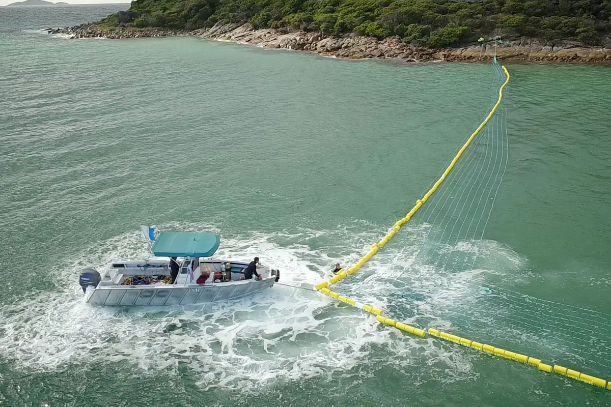 Global Marine Enclosures Aquarius Barrier Installation 5