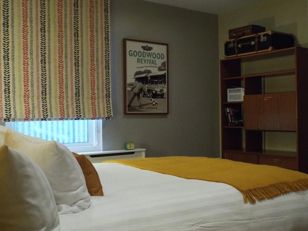 room1 1.jpg