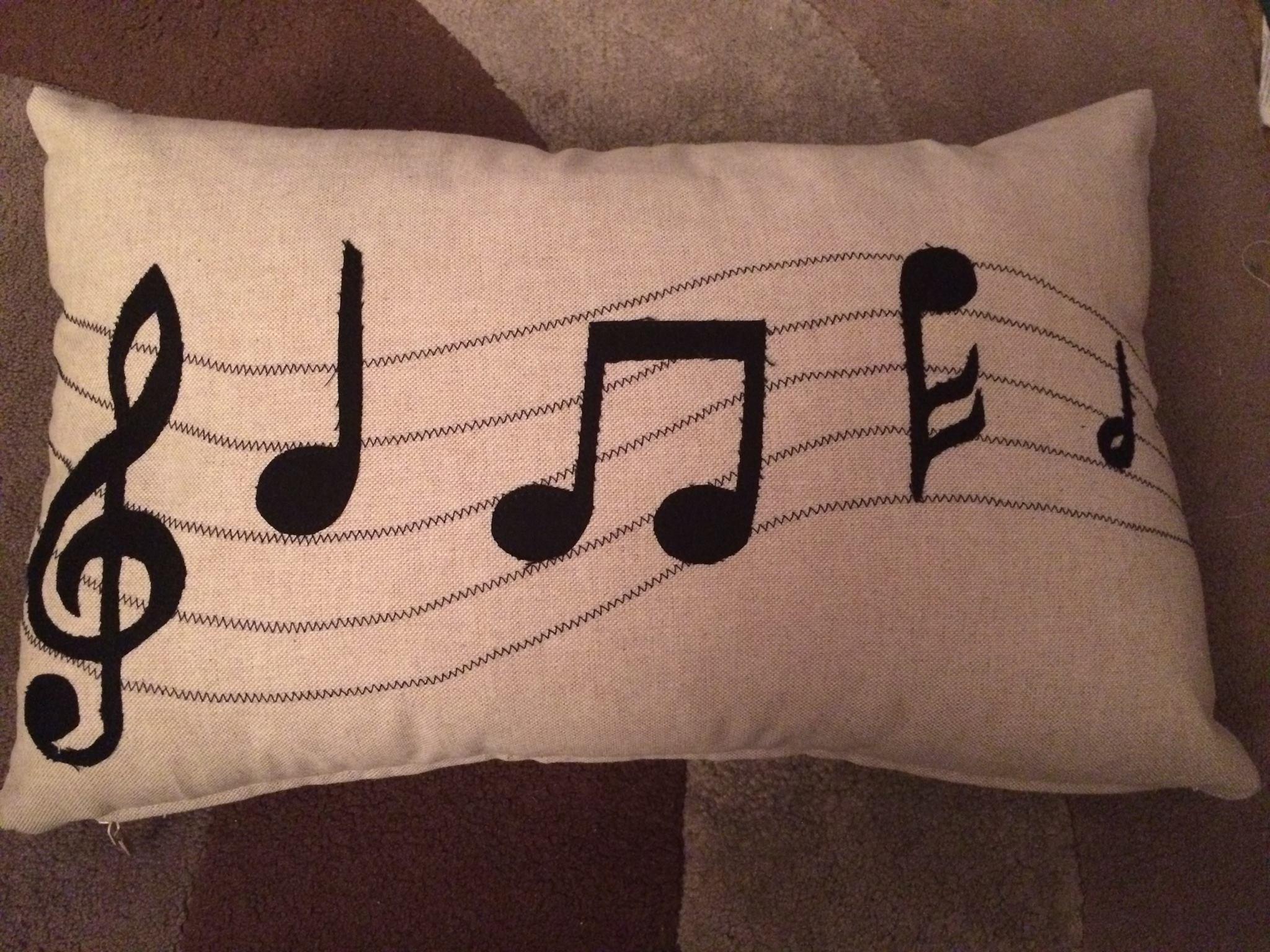 Cath's Appliqued Zipped Cushion