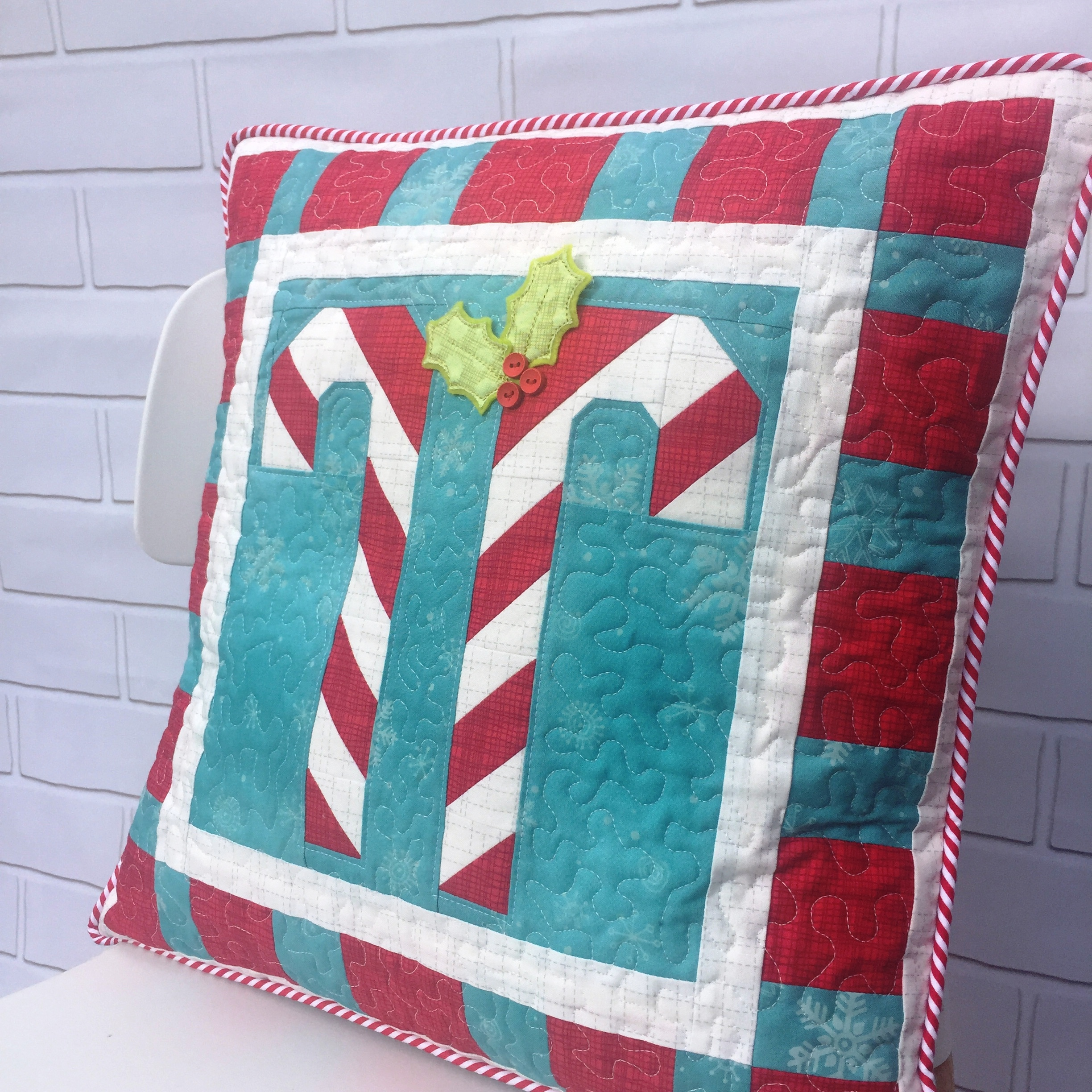 Candy Cane Cushion The Crafty Nomad