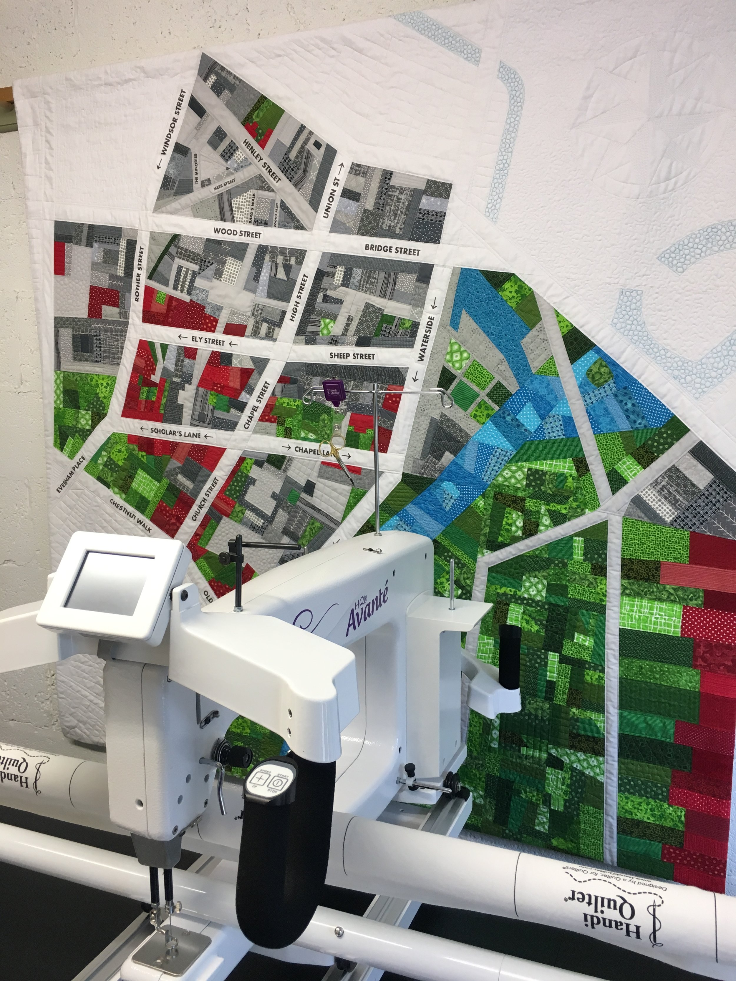 Where to Next Quilt By Abigail from cut&alter and her Handi Quilter Longarm quilting machine