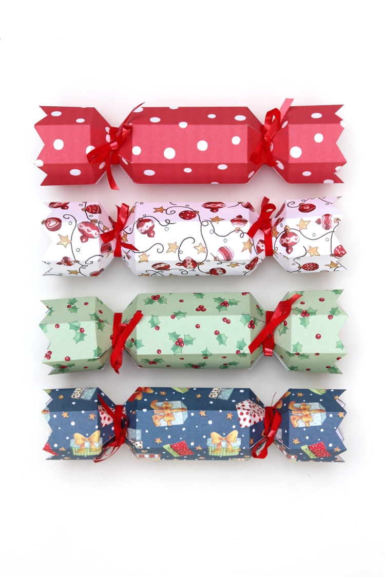 How+to+make+Diy+Christmas+Crackers+with+this+free+printable+template+#christmas+#christmascrafts+#crafts+#diy+#freeprintable+#cracker+#holidaycrafts+#freebies+#gatheringbeauty.jpg
