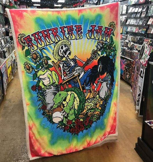 FLEECE BLANKETS! - Plush blankets for Dead Heads in various styles. We have a Pink Floyd blanket too