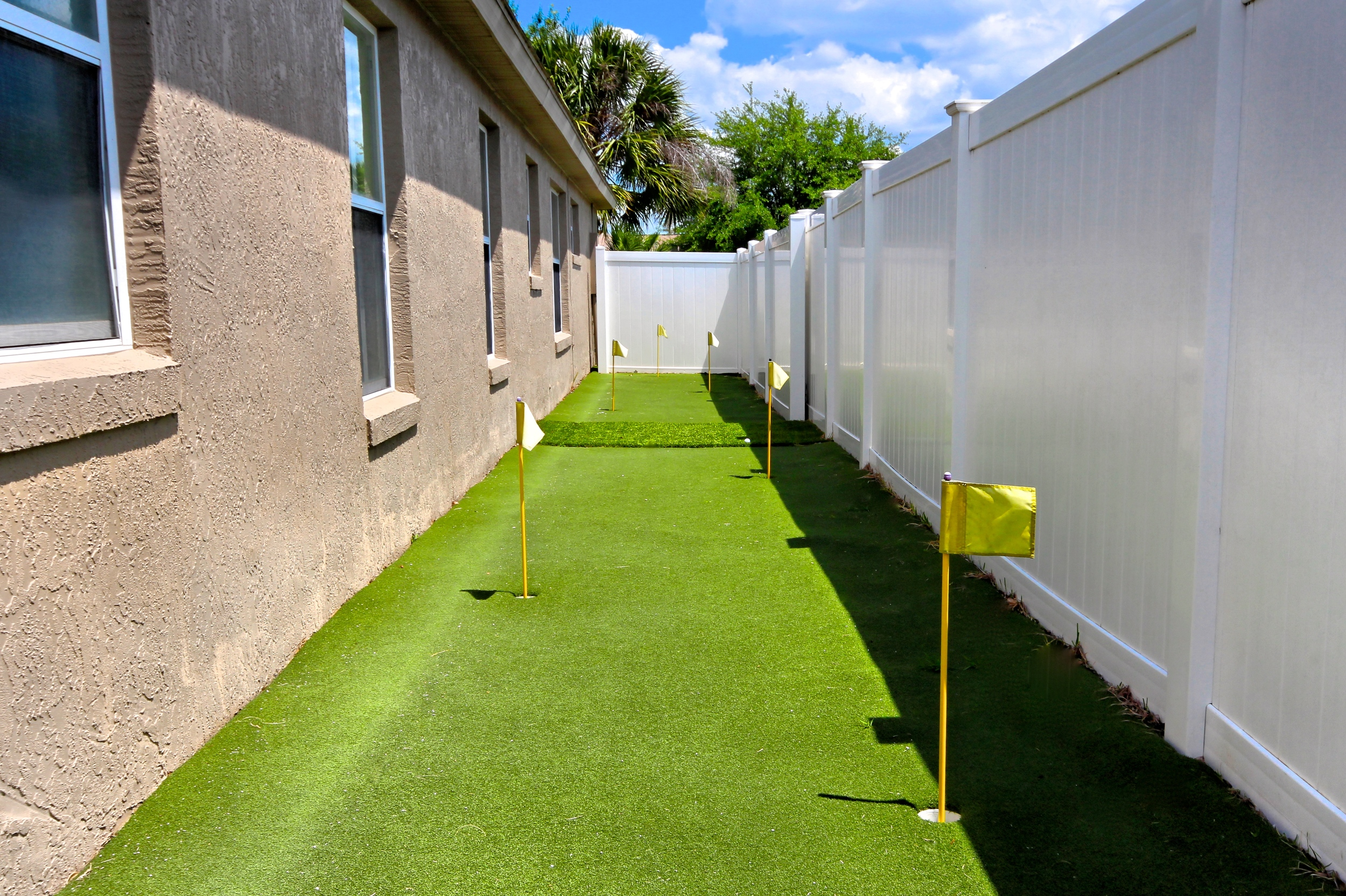 Golf Putting Green at Storytellers Villa Orlando