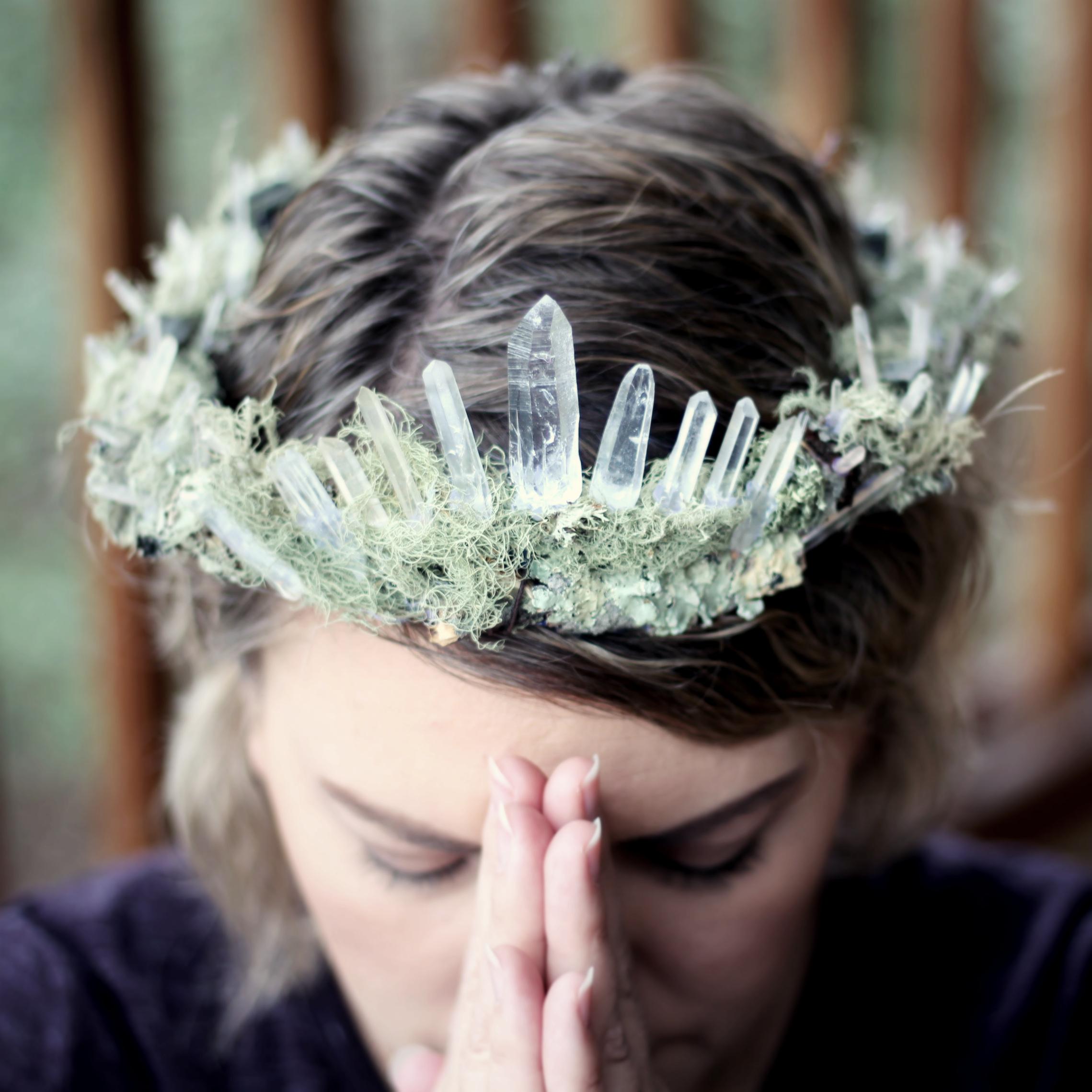 IMG_1824sara prayer queen of wild Nov 2017 NC.jpg