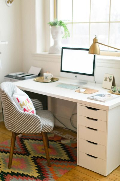 30 of the Prettiest Offices Ever by Style Me Pretty // Weekly Update Fave Online Finds on www.chelceytate.com