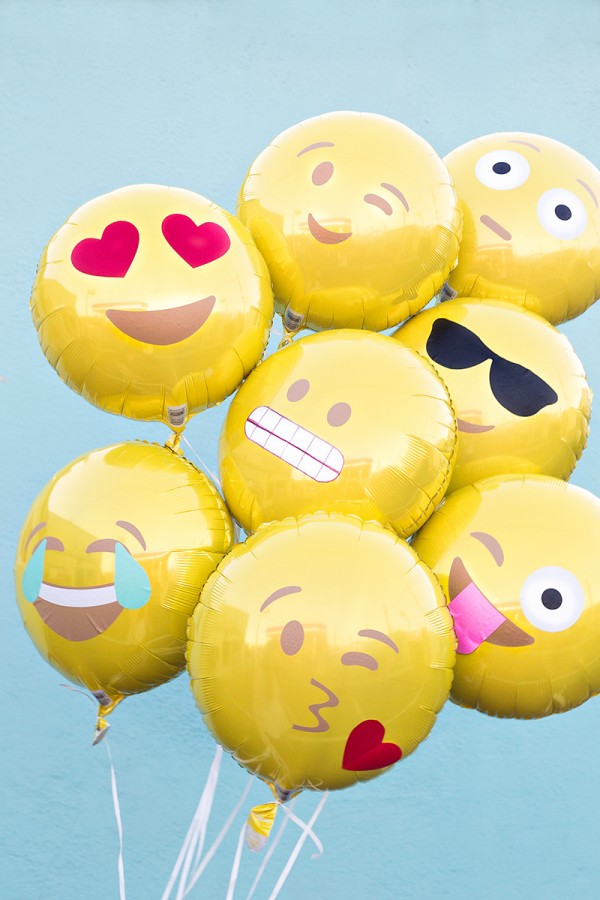 Studio DIY Emoji Balloons / Fave Online Finds chelceytate.com