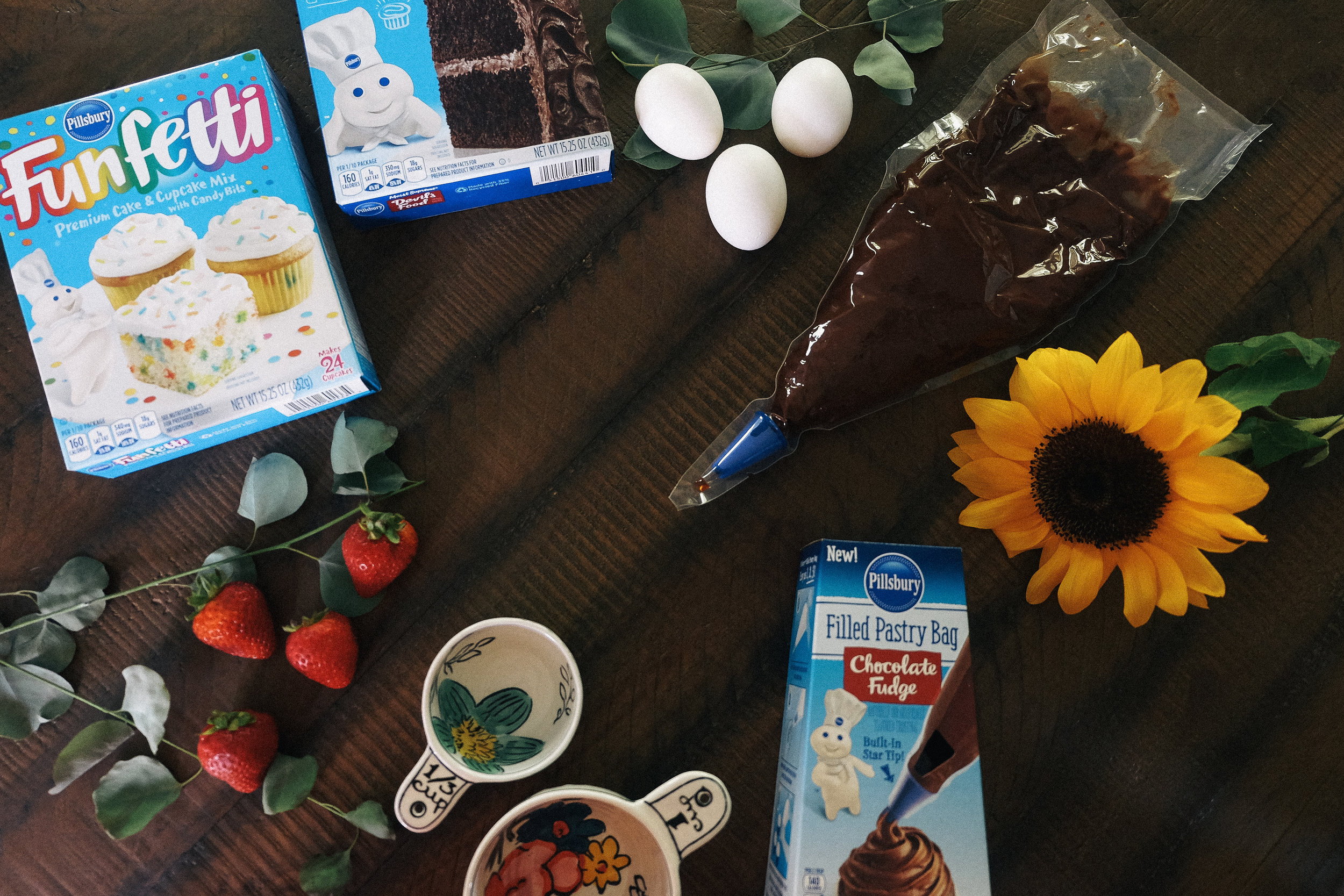 Bake Someone's Day With Pillsbury via chelceytate.com #DoughboySurprise #Sponsored