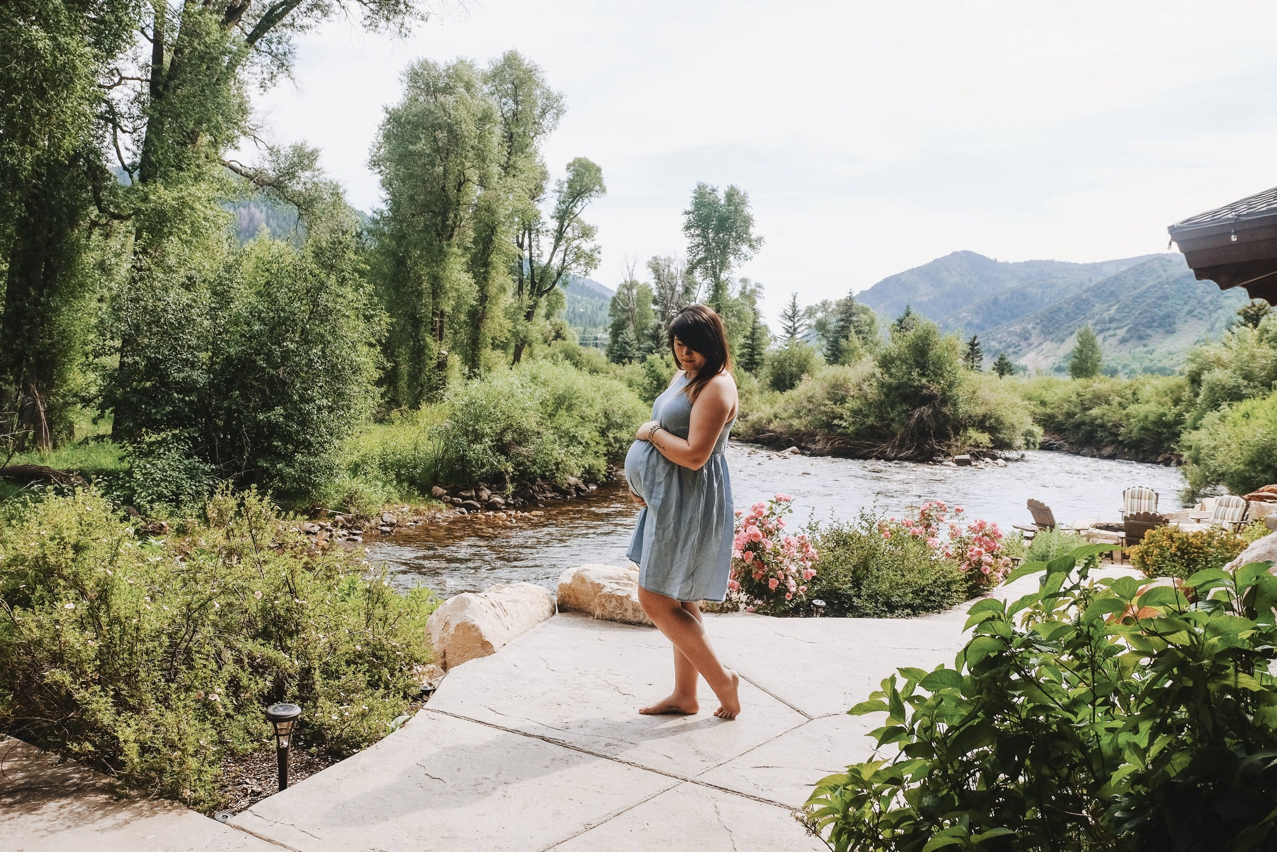 Reflecting on 2017 Salt Lake City, UT Pregnancy OOTD via Chelcey Tate www.chelceytate.com