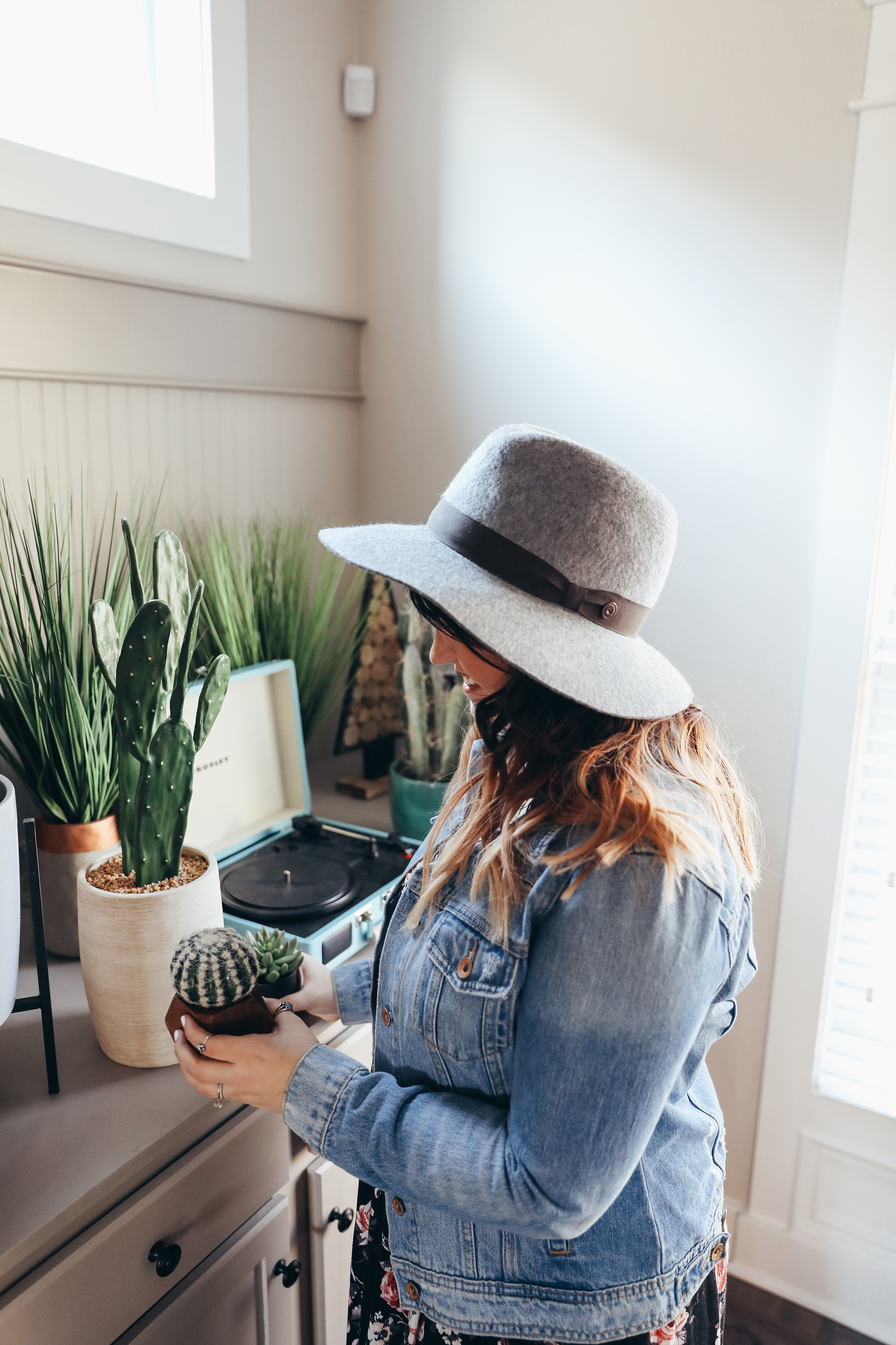 The Best Places to Buy Fake Plants via Chelcey Tate www.chelceytate.comThe Best Places to Buy Fake Plants via Chelcey Tate www.chelceytate.com