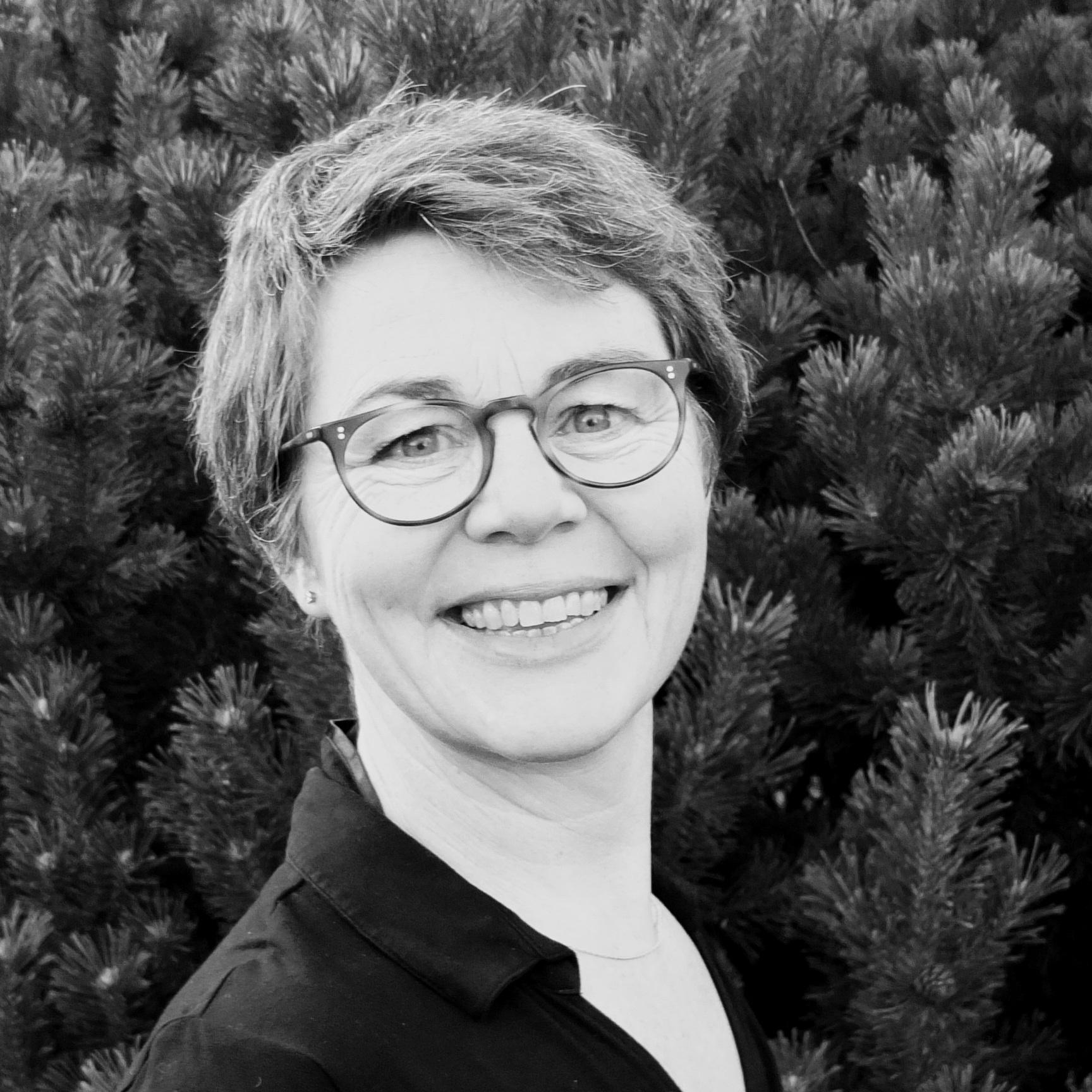 Marianne Mikkelsen  Titel: Projektleder og konsulent i 'Grønt'  Firma: Miklsn  Mail: marianne@miklsn.dk  Telefon: +45 24 94 63 23
