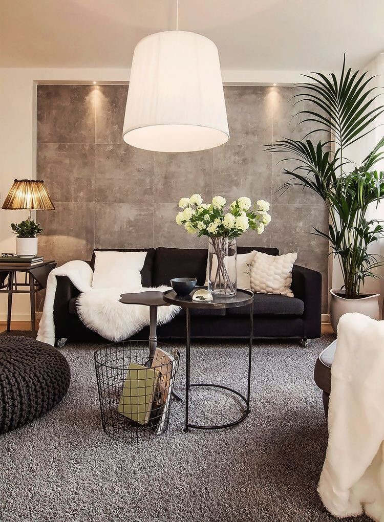 I hate that lamp and that rug but other than that, this room is 👌🏻. ApartmentTherapy.com