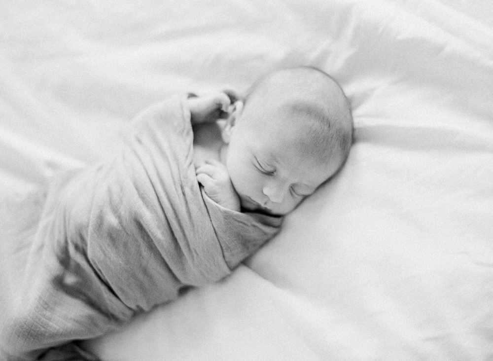 fresno-newborn-photographers-elisabeth-kate-studio_0404.jpg