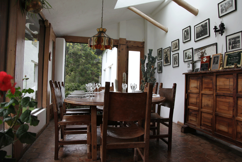 Dinning-room-2.png