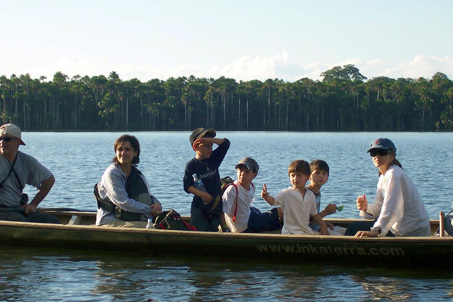 Exploring the Amazon by canoe (photo: Inkaterra)