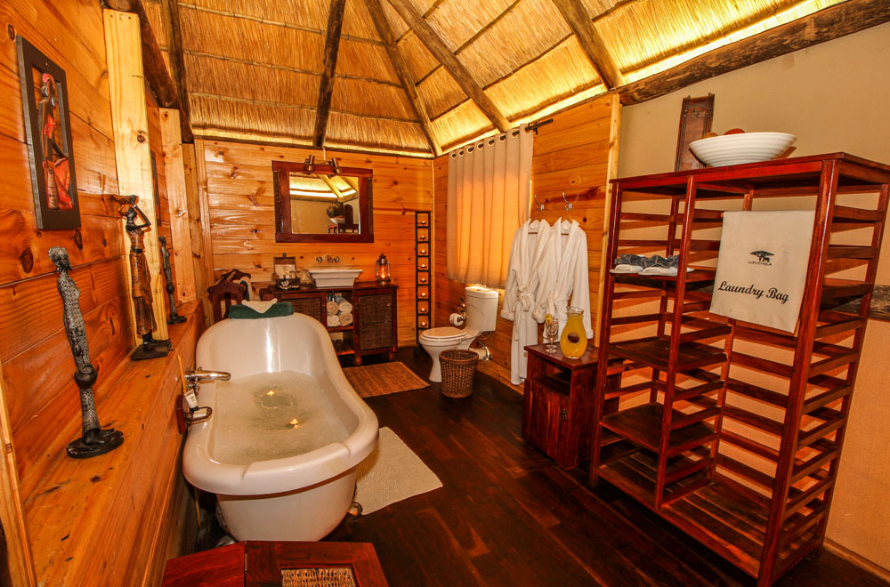 05-nehimba-lodge-bath.jpg