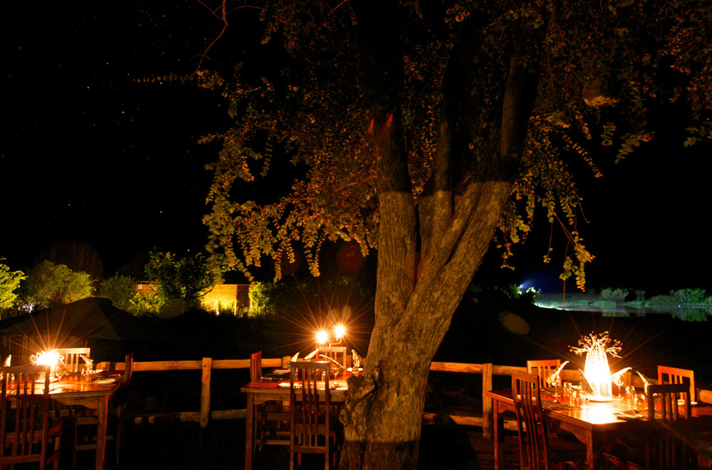06-nehimba-lodge-dining.jpg