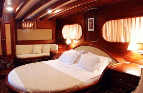 cabin-04.jpg
