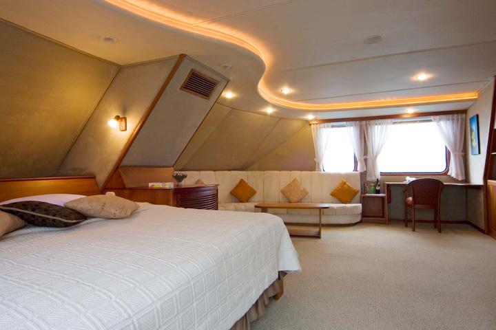 INTEGRITY Owner's Suite:  Photo: INCA