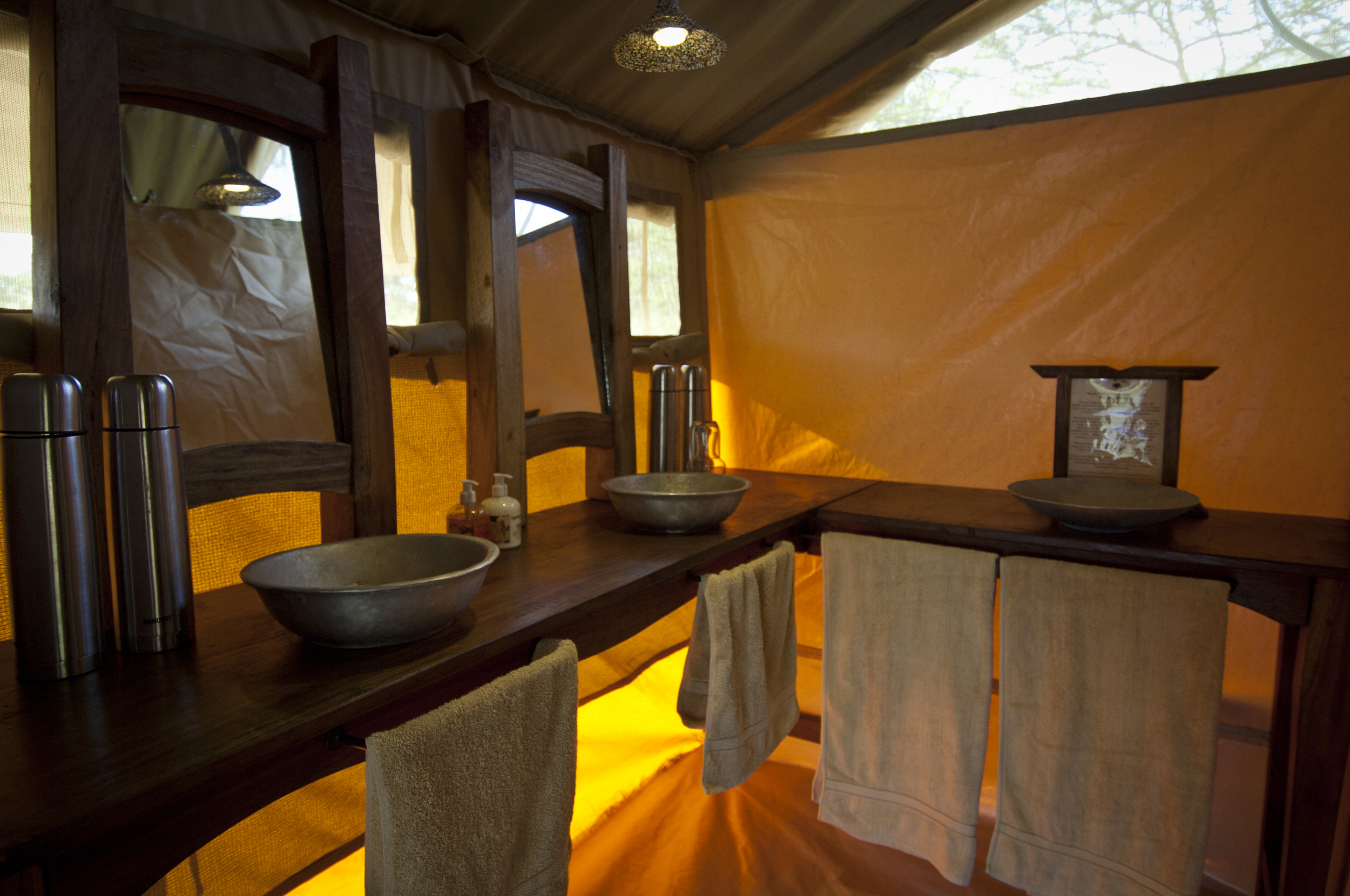 Serengeti seasonal camp - bathroom.jpg
