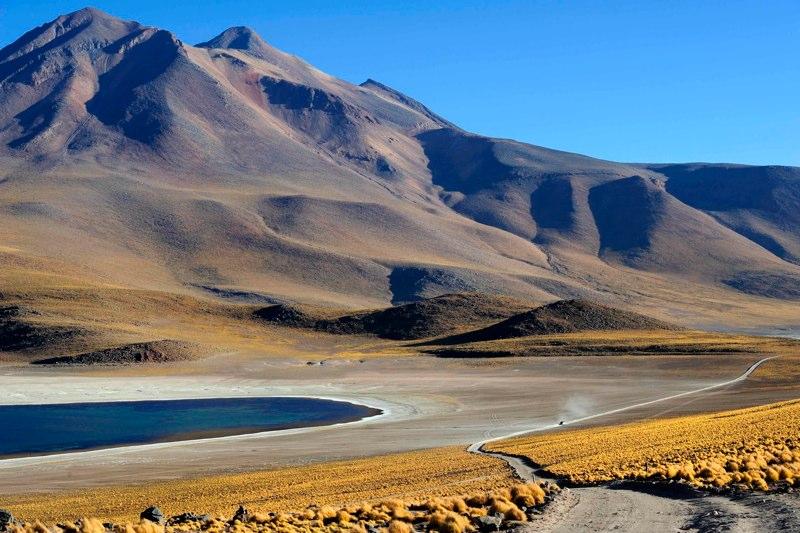 Crossing the Atacama. Photo: Katsuyoshi Tanaka
