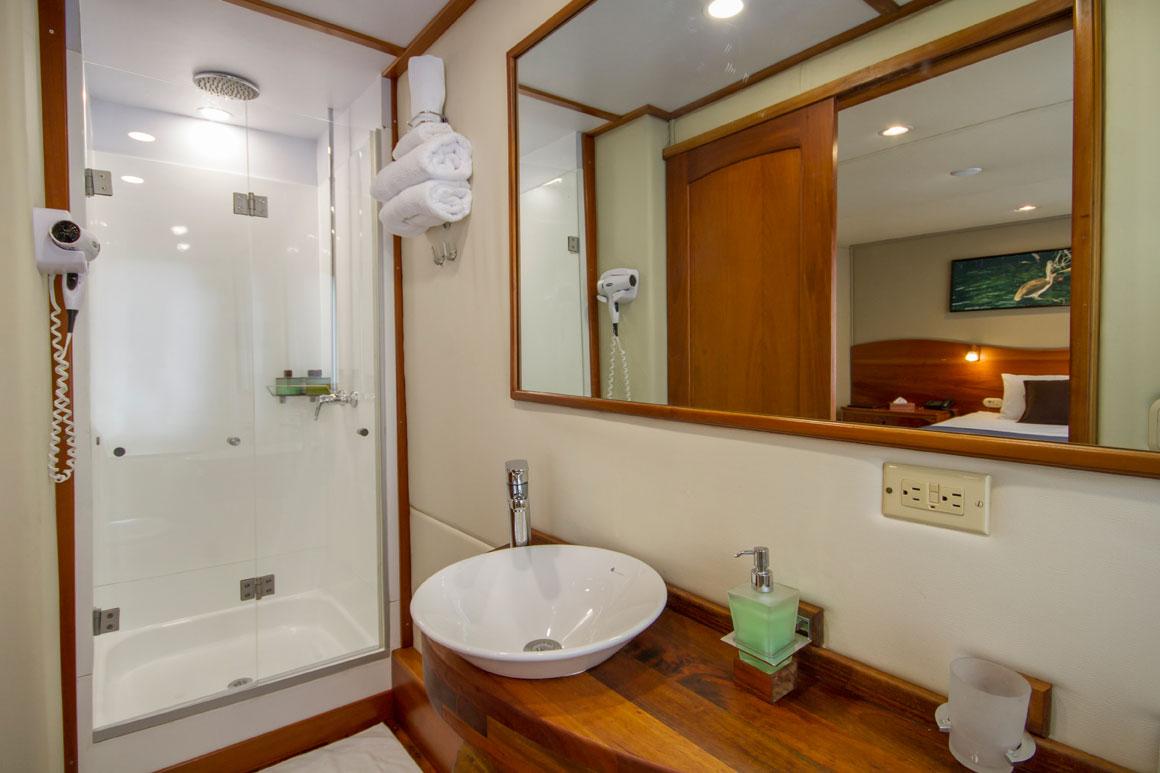 Standard-Bath-IMG_5749.jpg