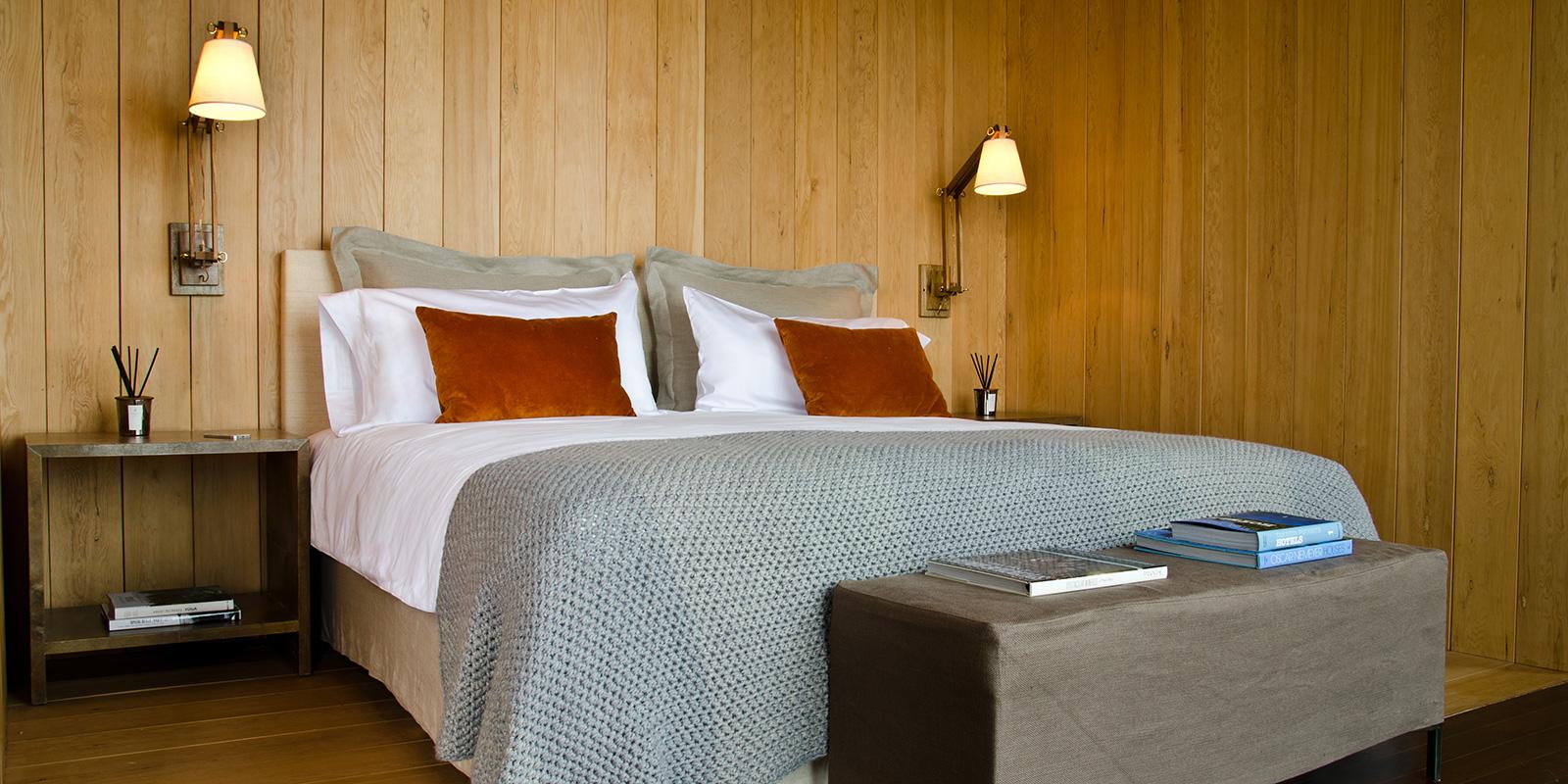 rooms-master-suite.jpg